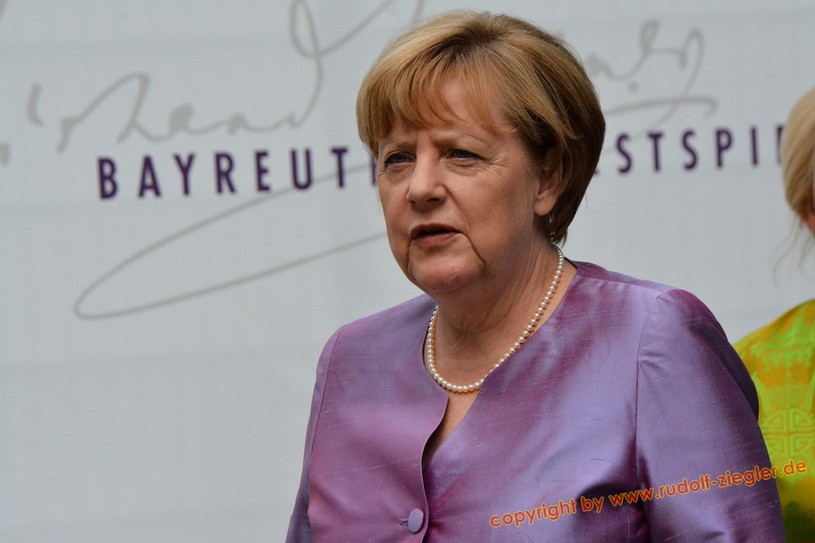 Merkel in Bayreuth 034-A (1600x1200)