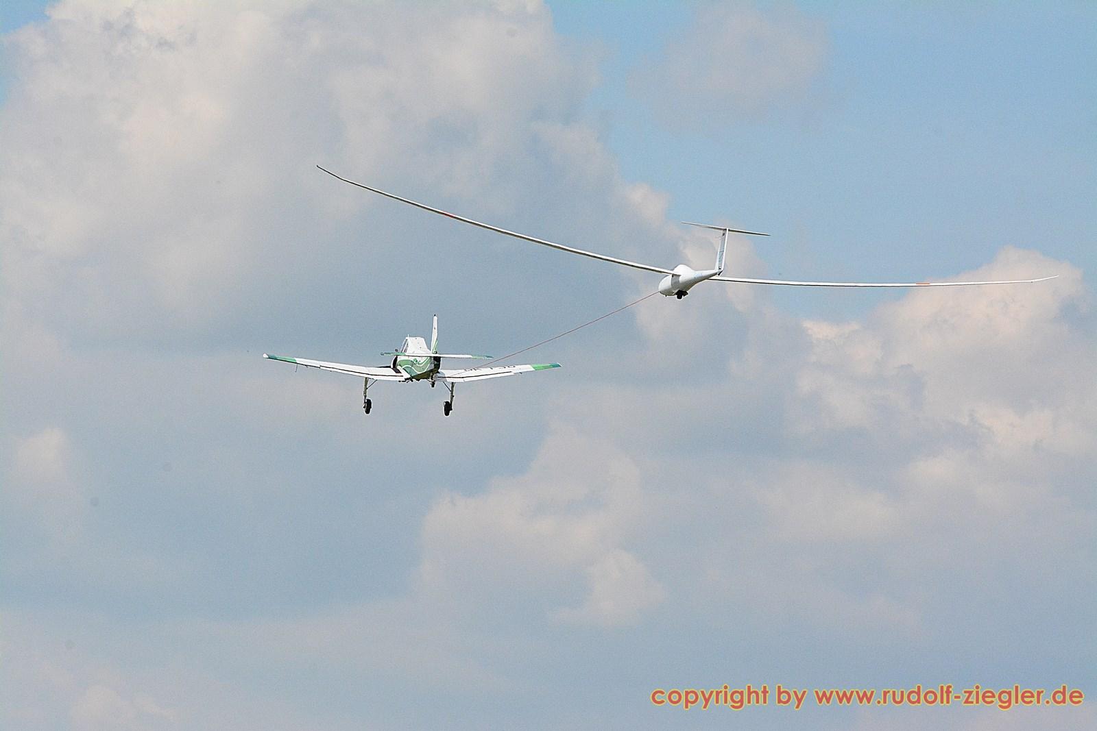 Bayerische Segelflugmeisterschaften - Flugplatz Bindlach 149-S (1600x1200)